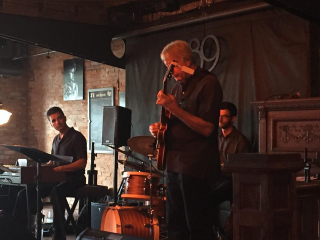 Devin Kelly organ trio at 189